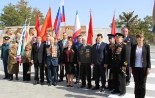 Армянск почтил память погибших героев Великой Отечественной войны