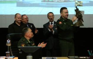 Итоги службы Центрального военного округа в юбилейном году увенчали уникальным шефским призом