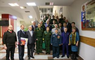 Прославленный гарнизон встретил Героев России