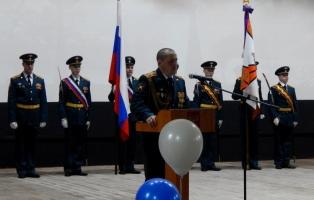 Гвардейский полк поздравили шефы