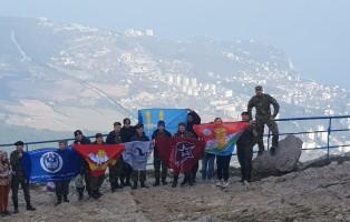 Южноуральцы посетили памятные места Ялты и встретились с кадетами